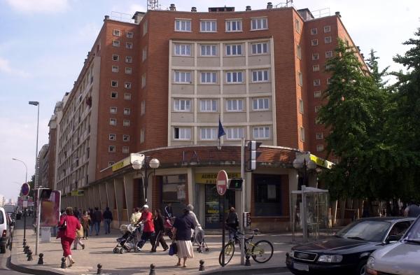 Aubervilliers bureau de poste et immeuble de logement document